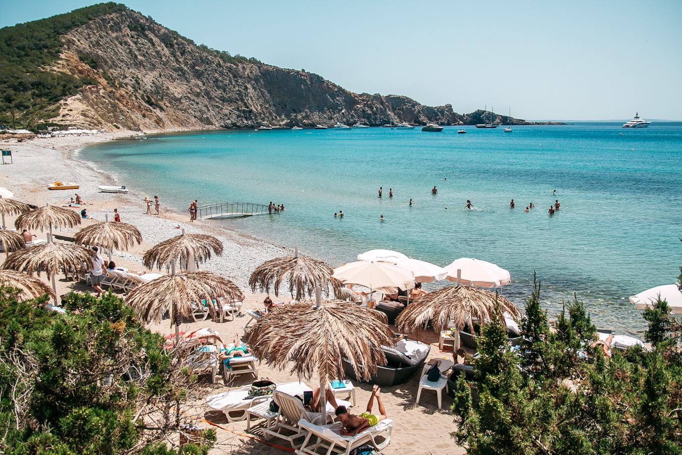 The most famous beach clubs & sunset bars in Ibiza – Part 2